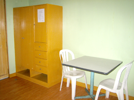 For the convenience of the tenants, all rooms are equipped with a closet, table and chairs.
